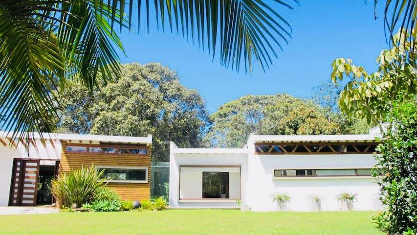 Llanogrande Modern Architectural home