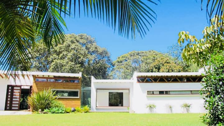 Llanogrande Modern Architectural home