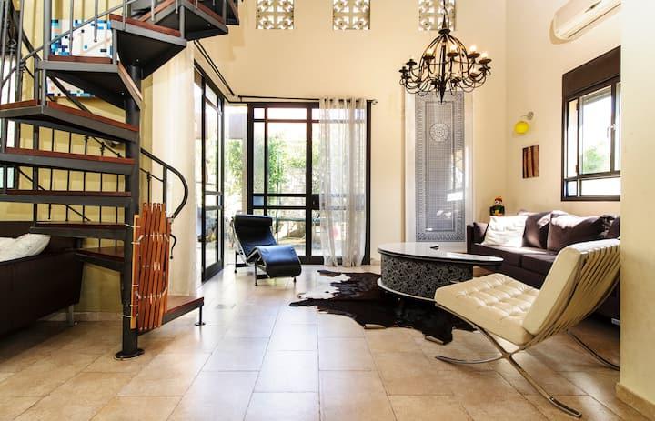 Beautiful designer house near Ra'anana