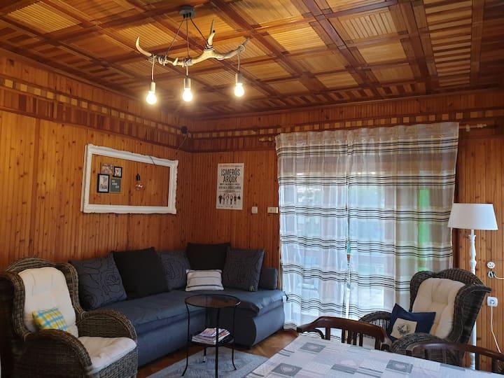 Alpesi hangulat Bükfürdőn: Titi Verde Alpi Apartm.