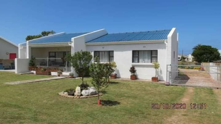 House within walking distance of river and beach!