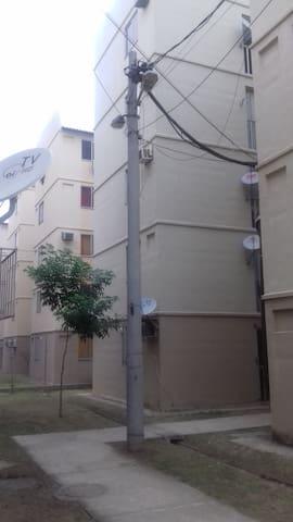Translado gratis quarto com ar Cond - Rio de Janeiro - Apartment
