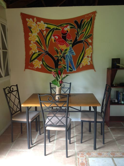 Comfortable Table Seating for 4