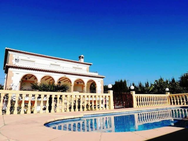 Great Villa, A/C, Pool, Wifi