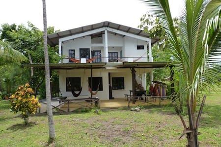 Beachfront room in tropical garden! - Lagartero/ Santa Catalina - 别墅