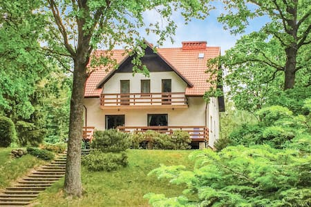 Holiday cottage with 5 bedrooms on 200m² in Swietajno