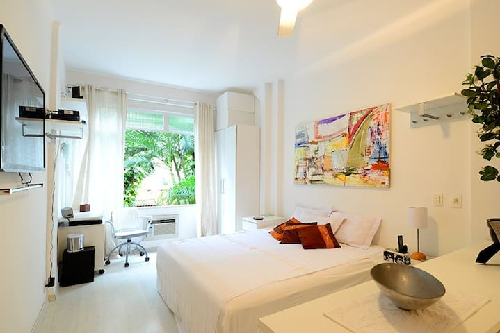 Studio Ipanema charming view garden up to 3 guest