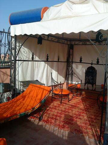 RIAD LAROUSS Maison Complète 3 chambres & Terrasse - Marrakesh - House