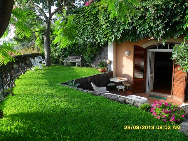100 m2-exclusive-close to the sea