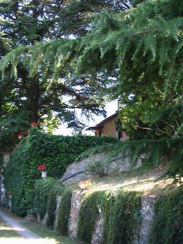 Cottage Belvedere Attivoli Spoleto - Spoleto - Cabaña