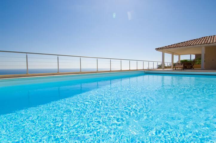 Villa prestige magnifique vue mer - Sari-Solenzara - Villa