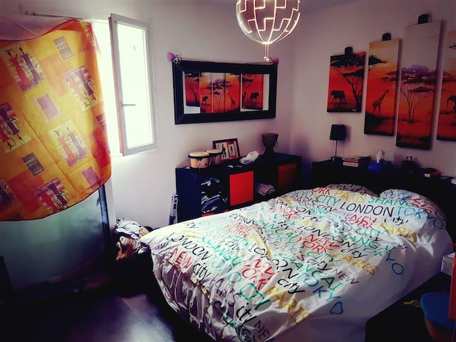 Chambre privée dans maison de 100m2