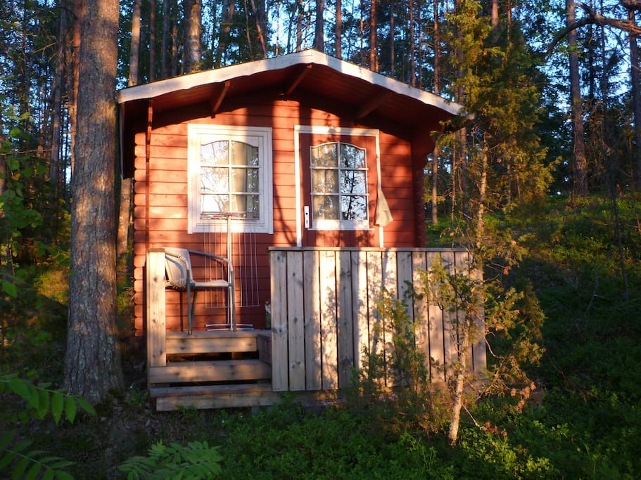 Small guest cabin with sleeping place for two.