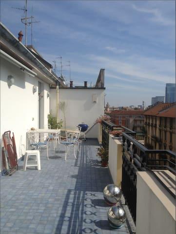 stanza doppia in appartamento - Milán - Apartamento