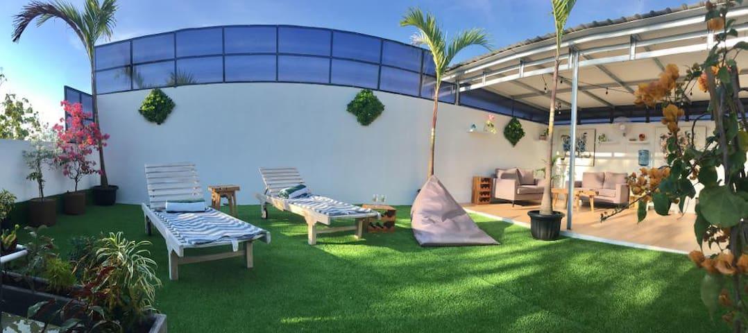 Private 2BR Villa and Pool near Great Beach