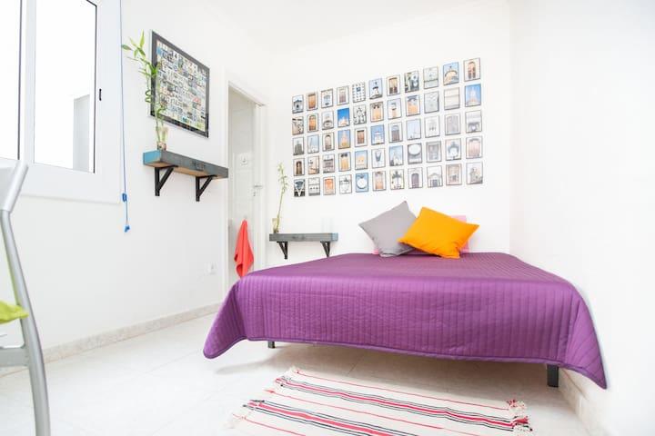 Room with private bathroom in Gotic - Barcelona - Apartemen