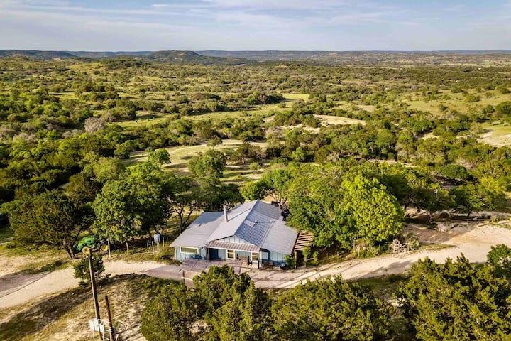 Cielito Lindo TX HillCountry HOUSE & Ranch Animals