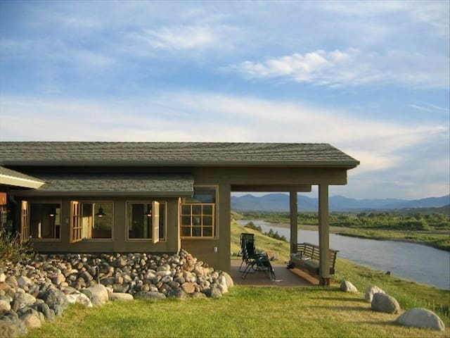 Yellowstone River Front with Views - Pray - House
