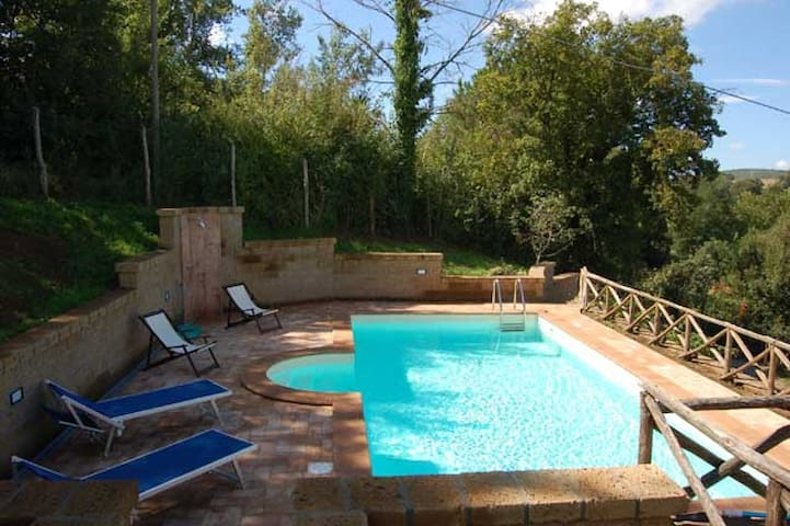 House with private pool and fenced garden - Orvieto