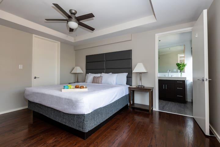 Rare Two Bedroom on Jackson Street