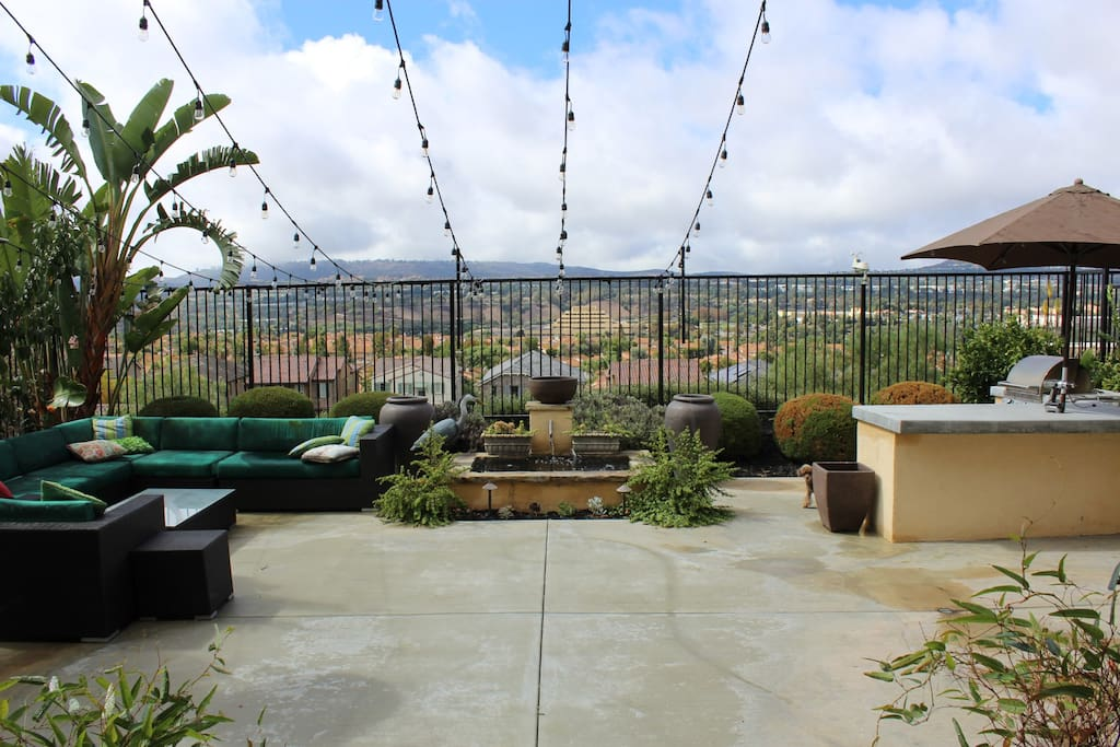 Beautiful new construction home w views houses for rent for King s fish house laguna hills