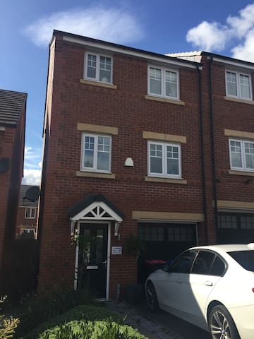 Double room close to city centre ,