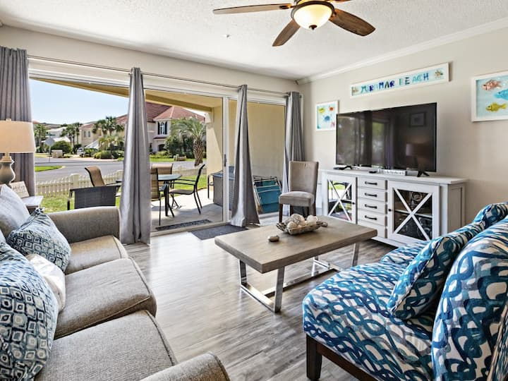 Pet-Friendly, Ground floor unit, Steps to the gulf, Close to dining