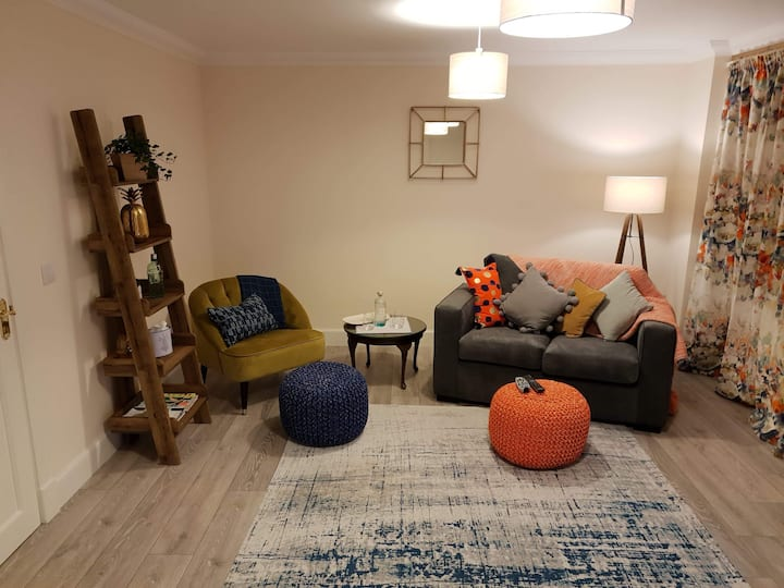 Little Westview - cosy house in stunning location