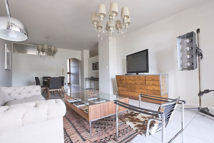 Producers Apartment in Best Location - Johannesburg - Appartement