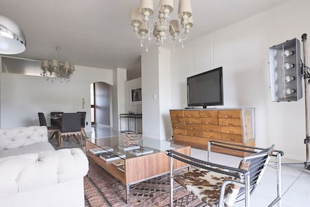 Producers Apartment in Best Location - Johannesburg - Apartment