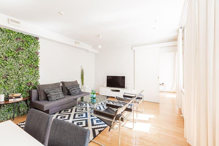 Quiet & central luxury suite with sauna & balcony