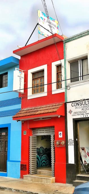 Frente del Hostel // Front of the Hostel