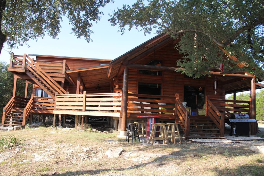 Hill country haus cabins for rent in canyon lake texas for Texas hill country cabin rentals