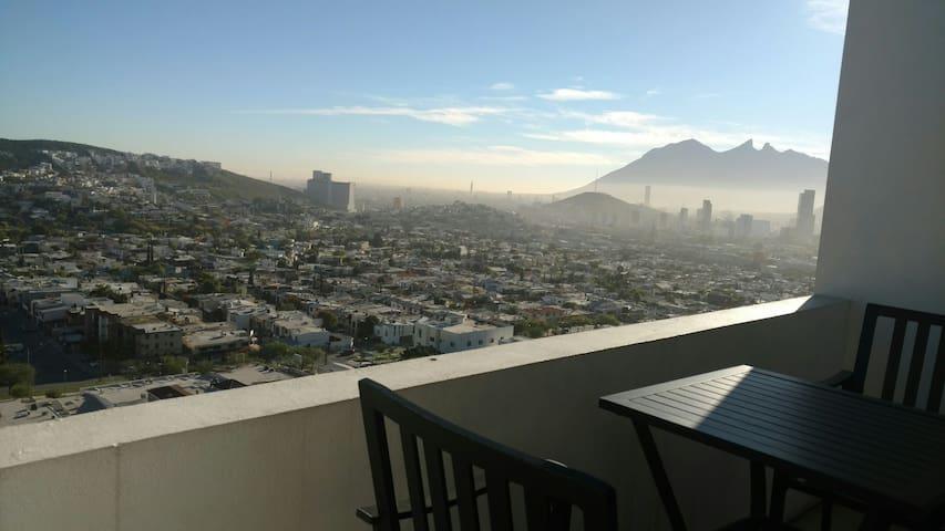 Amplio dep. 2 rec. HERMOSA VISTA!!! - Monterrey - Apartamento