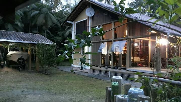 Casa de campo, tranquilidade e natureza juntos!