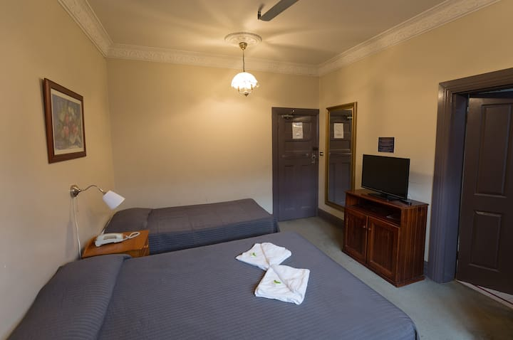 Stay at  iconic Pyrmont's local -Standard room