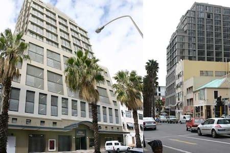 Studio Apartment Central Cape Town - Cape Town