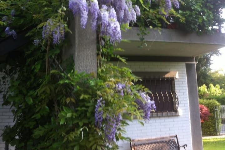 Villa con giardino in Brianza