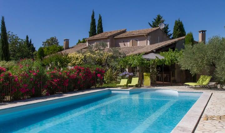 Maison de campagne au charme provençal