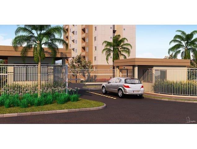 Quarto c/ ar-condicionado e piscina - Campo Grande  - Appartement