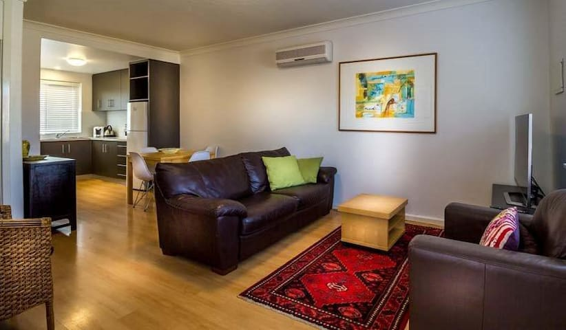 Mt Lawley 2 BR Affordable Luxury Minutes to CBD 4 - Inglewood - Departamento