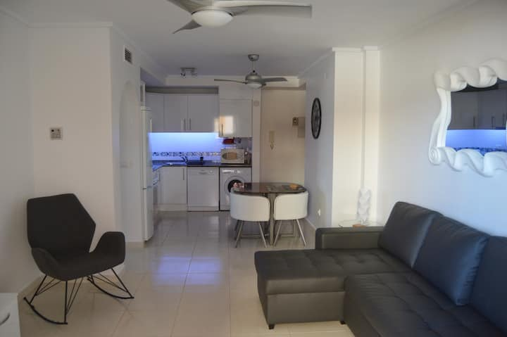 Ground Floor Puerto Marina 2 bedroom apartment.