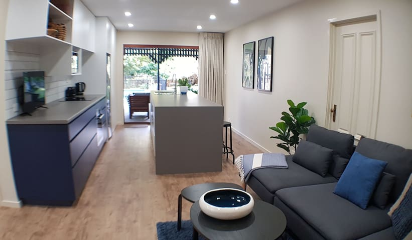 New 2 bed + 2 bath self contained garden apartment