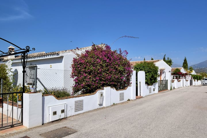 Nice holiday home with private swimming pool 25 minutes from Torre del Mar