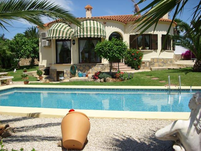 Villa Brigitte / Denia - Denia - Rumah