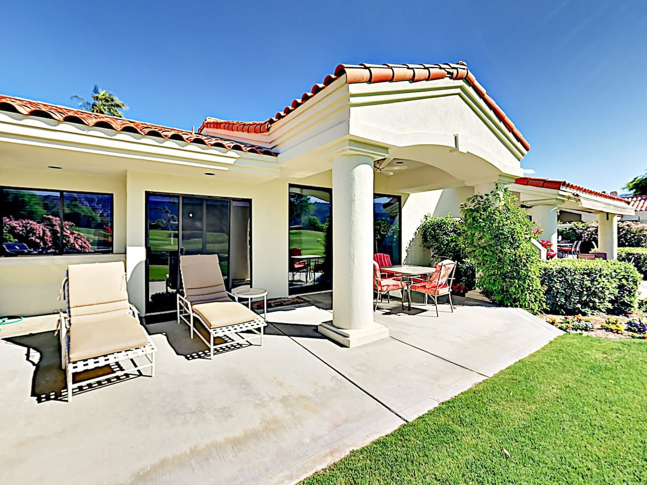 Welcome to La Quinta! This condo is professionally managed by TurnKey Vacation Rentals.