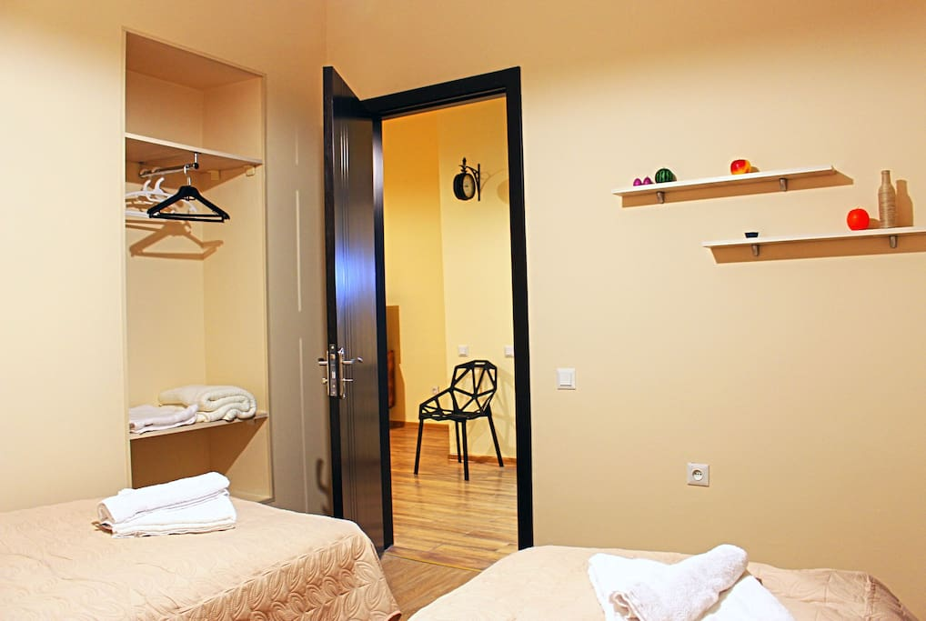 Bedroom 2, entrance