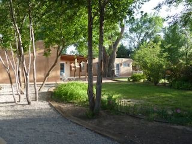Charming Old Adobe in North Valley - Los Ranchos de Albuquerque