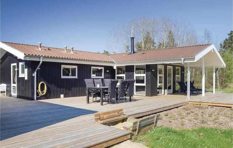 Holiday cottage with 3 bedrooms on 95m² in Rømø