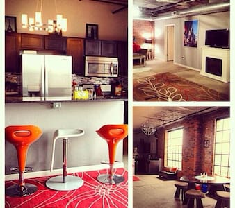 In the historic E & B Brewery our trendy and comfy loft sits on a quiet street in the heart of Eastern Market. City views, easy highway access and close to everything!